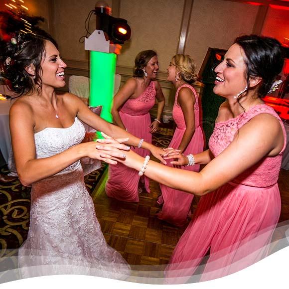 Perpetual Rhythms :: The Importance of Your Wedding DJ 1